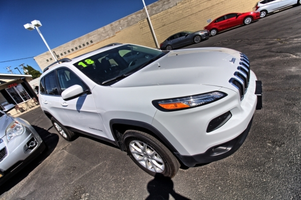 2018 Jeep Cherokee 4x4 Latitude Plus 4dr SU
